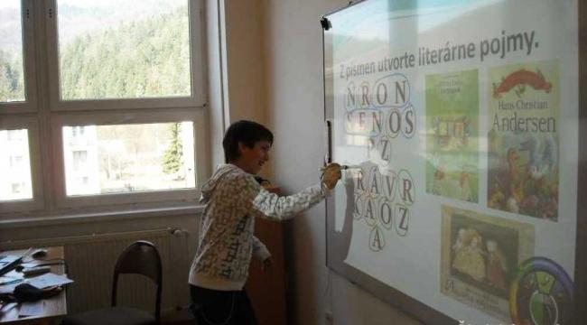 I. N. S. E. R. T. interaktívny poznámkový systém pre efektívne čítanie